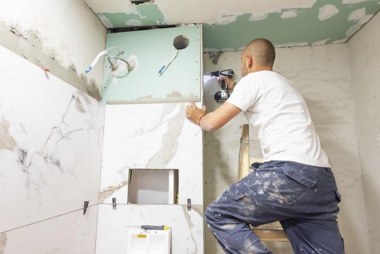 Les étapes de construction d'une salle de bain